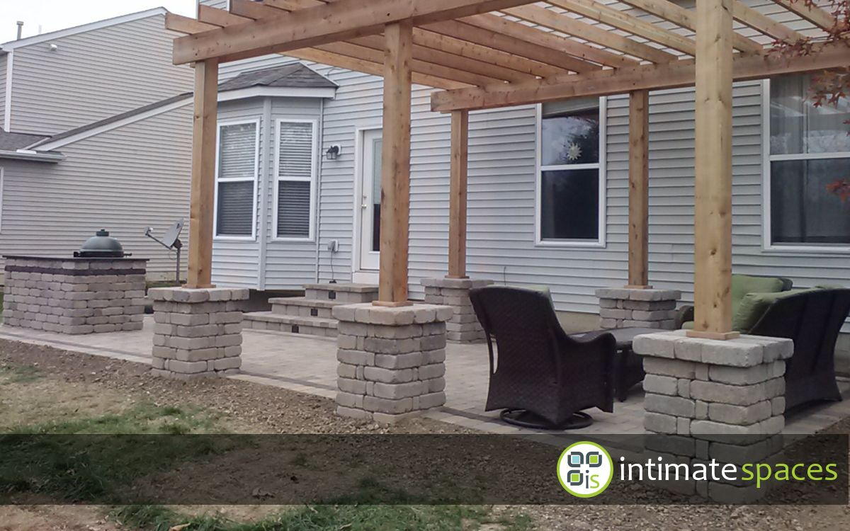Outdoor Living by: intimate spaces